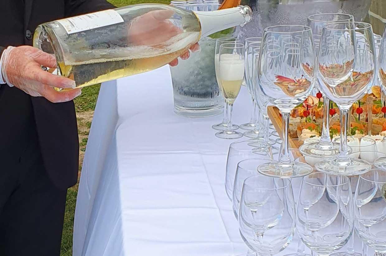 Ménard Traiteur Caen - Service de champagne